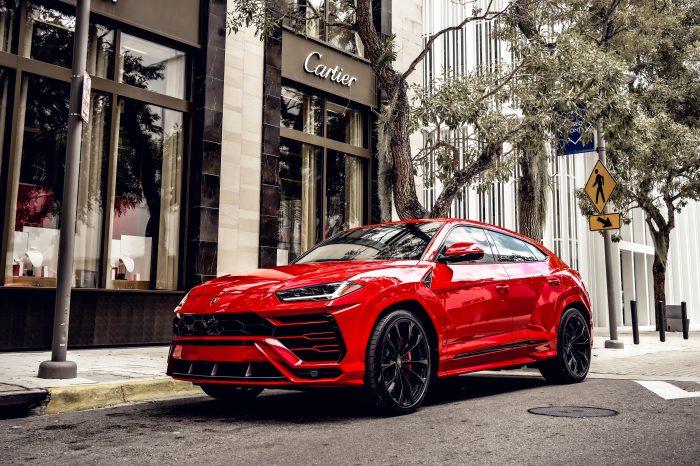 Lamborghini Urus Red