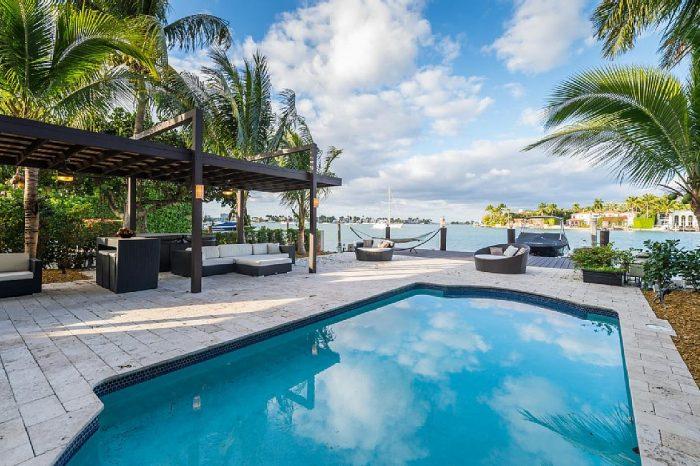 Villa Nikola – Waterfront Miami Home