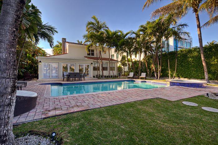 Villa Clara – Waterfront Home Miami