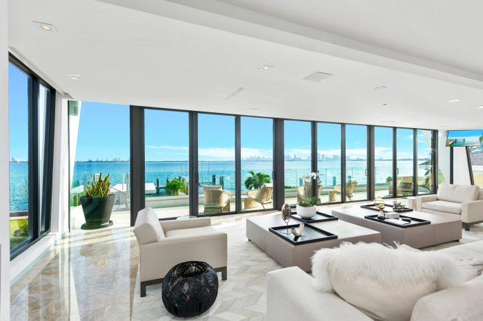 Villa Violette – Luxury Contemporary Waterfront Villa Miami