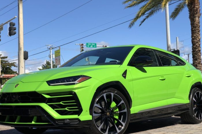 Lamborghini Urus Green