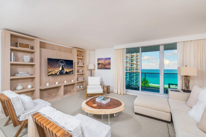 Luxury 3 Bedroom at 1 Hotel and Homes