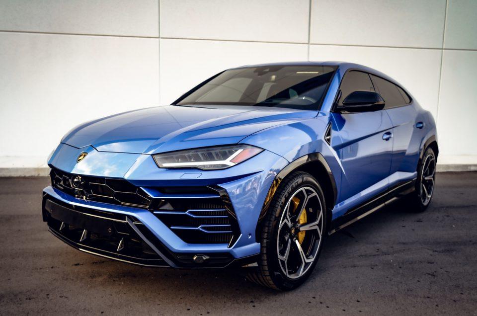 Lamborghini Urus Baby Blue – Exotic Miami Rentals